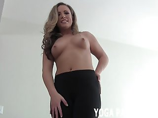 I will tease you with my yoga pants while you jerk off JOI