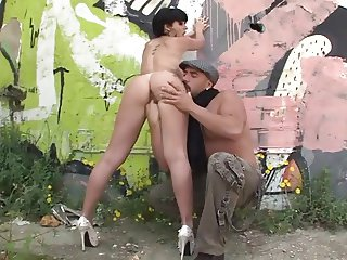 Amanda fucked outdoor