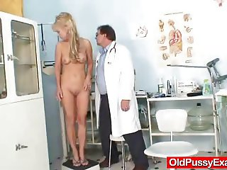 Blond-haired grandma Anezka muff speculum exploration