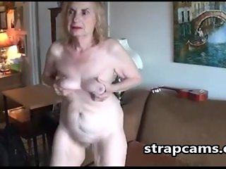 Old blonde Woman Plays With Her hairy pussy