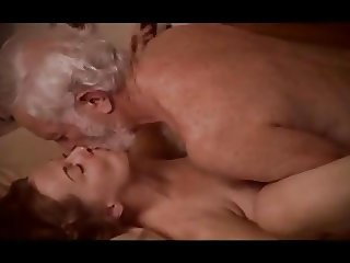 Hot mature sex (where I can find the full vid?)