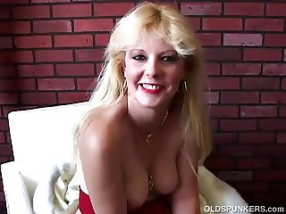 Saucy south african old spunker loves to fuck her wet pussy
