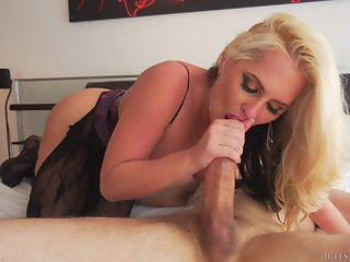 Milf Alena Croft Anal Pleasures