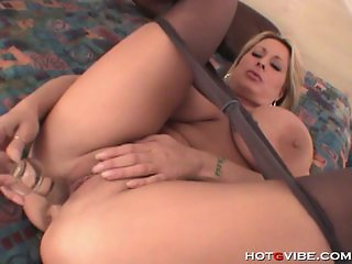Stacked cougar dildo action