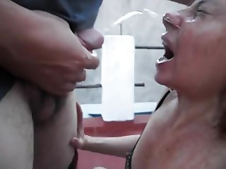 Mature housewife piss deepthroat