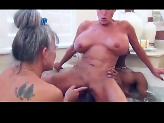 Two Milfs In A Tub