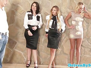 Glamour babe analized during foursome session