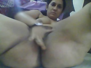 Floppy tits indian woman masturbates