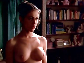 Alyssa Milano - 'The Outer Limits' (slomo)