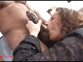 mature old mom with too much makeup takes black negro cock i