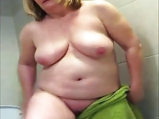Proud Of His Mature Wife Voyeur Video