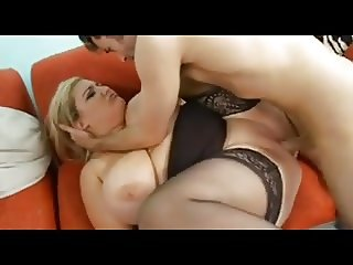 Super hot fatty gets a nice fuck