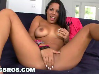 BANGBROS - Cuban Girl Luna Star Is a Chonga with a Big Ass (ch10901)