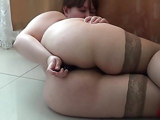 BBW IN STOCKINGS LIKE FUCK ANAL AND HAIRY PUSSY