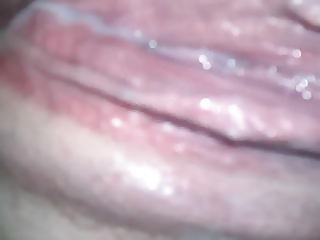 Pissing out creampie