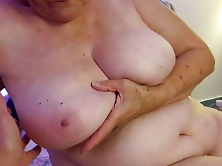 My 77 years old granny : her tits