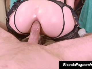 Horny HouseWife Shanda Fay Has A Cock In Her Juicy Butthole!