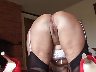 Curvy mature milf with big tits showing her hairy pussy