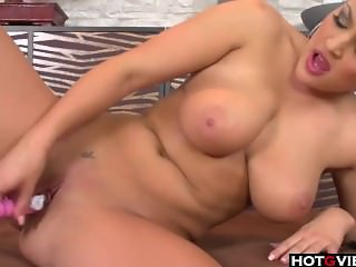 Hot european chick toying her hole