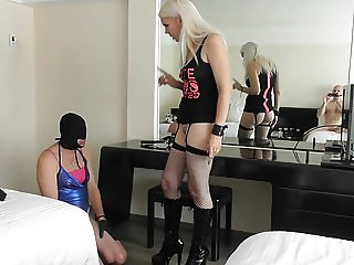 mistress yanet - vera can lick my ass hole