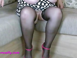 British Granny strips and strums
