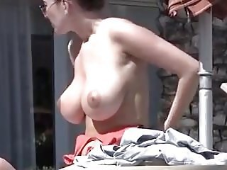 Amateur chick with big tits
