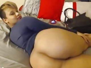 THICK REDBONE THOT GETTING FREAKY ON CAM
