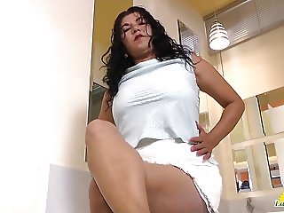 LatinChili Horny mature pussy play compilation