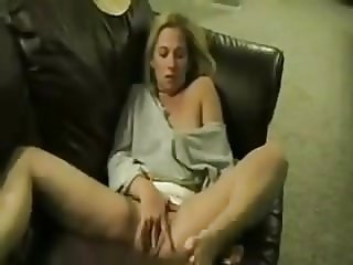 SB2 Horny Wife Cums On The Couch !