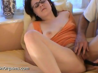 Big Lips Hairy Pussy Made To Orgasm By Cameraman