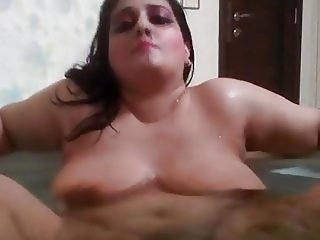 bhabhi bath tub exposing on cam