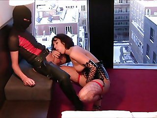 Hotel Hamburg - Blowjob in front of Window
