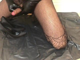 Cum in heels part 1