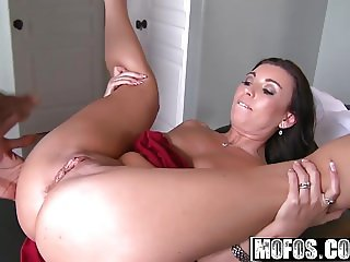 Mofos - Milfs Like It Black - Honey White - Mouth to Mouth