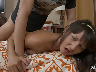 College Boy Fucking A Horny Cheerleader Before Ball Game