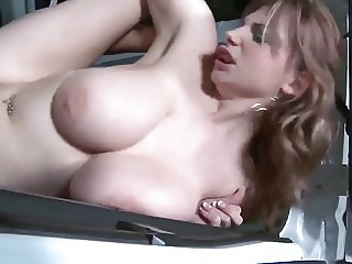 Fuck in a Van - Perfect saggy Tits swinging around