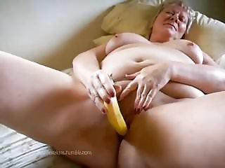 Granny BBW Using Banana On Her Pussy