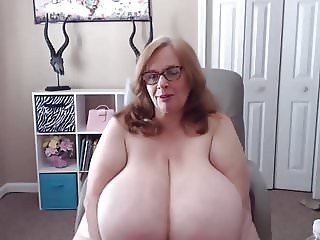 Horny rotund Suzie with natural 44Q big tits