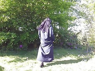 Muslim Burqa Niqab stockings Outdoors Flashing