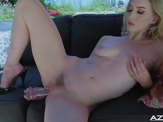 Riley Reyes dildos her soft pussy with glass dildo