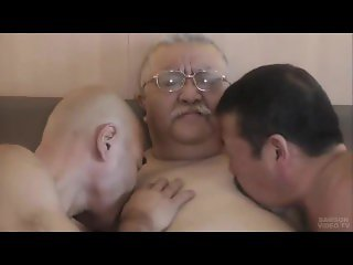 chubby daddy fucked part1