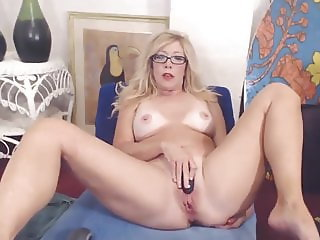 Cheating MILF squirting pussy while her husband is away
