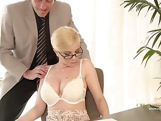 NIGHTCLUB - GERMAN BLOND OFFICE MILF