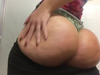 PAWG Spanking and Shaking her Big Round Booty