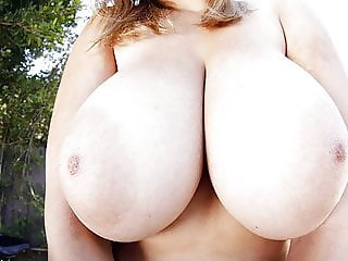 Chubby chick with big tits Alexia Rae services big dick