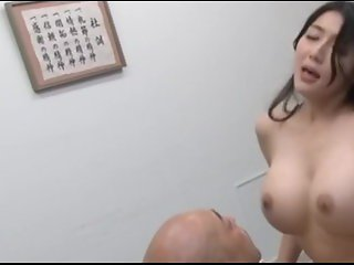 Ugly Guy Fucks Superhot Booby Babe...what's her name??? please comment..!!!
