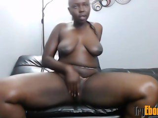 African babe with big clapping butt and sexy smile