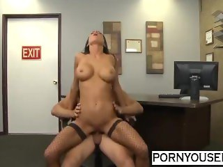 Classic MILF Fucking At Office - Pornyousee