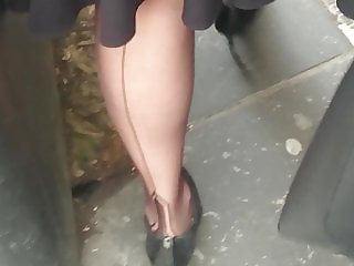 Strolling through Edinburgh in my Manhattan nylons