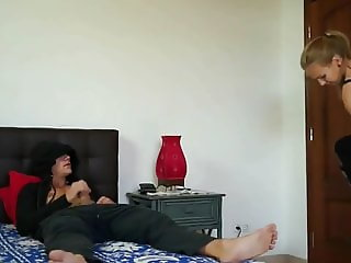 Sister Caught Her Stepbrother Masturbates and Got Creampie
